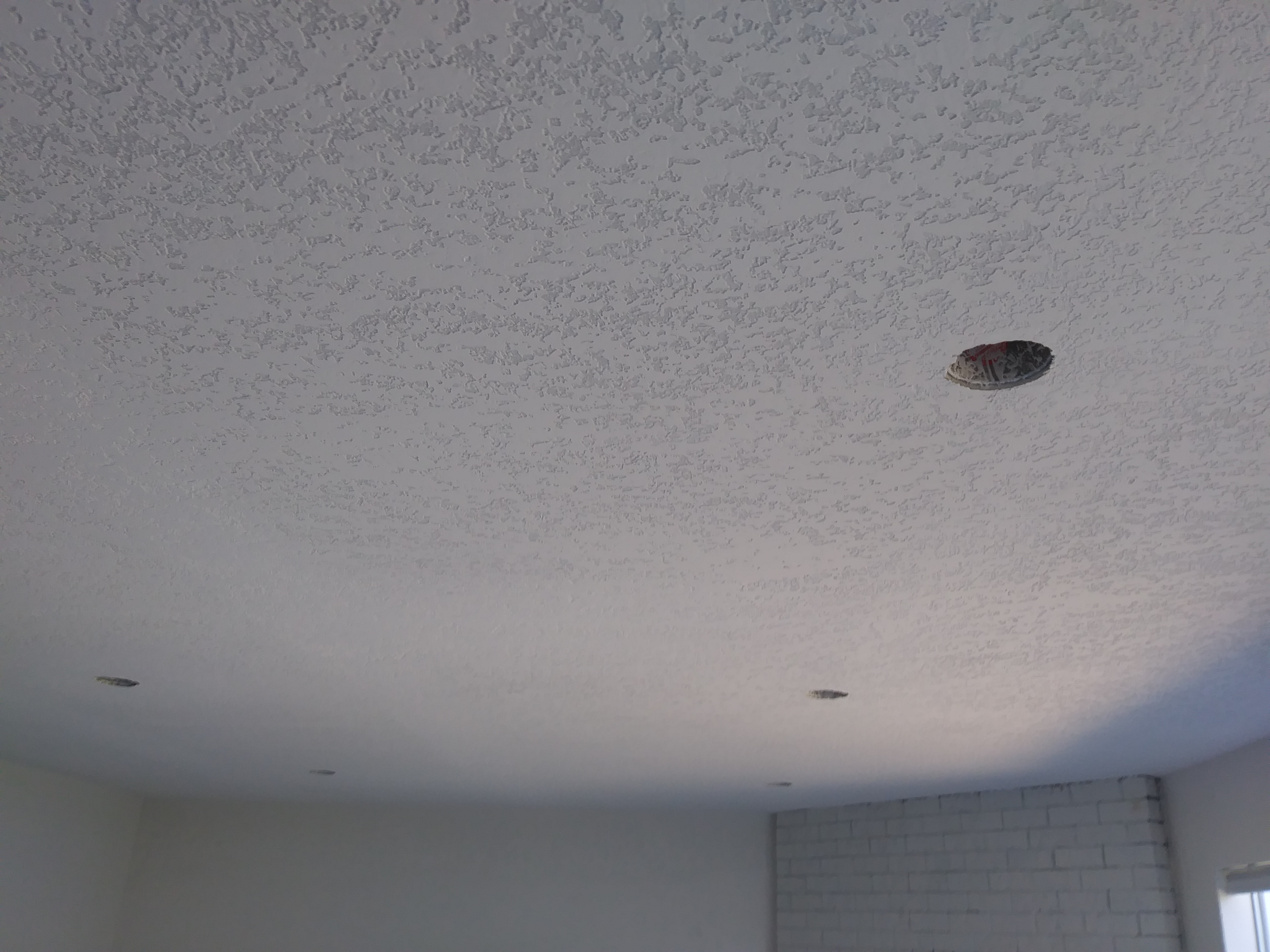 Ceiling finishing with pattern
